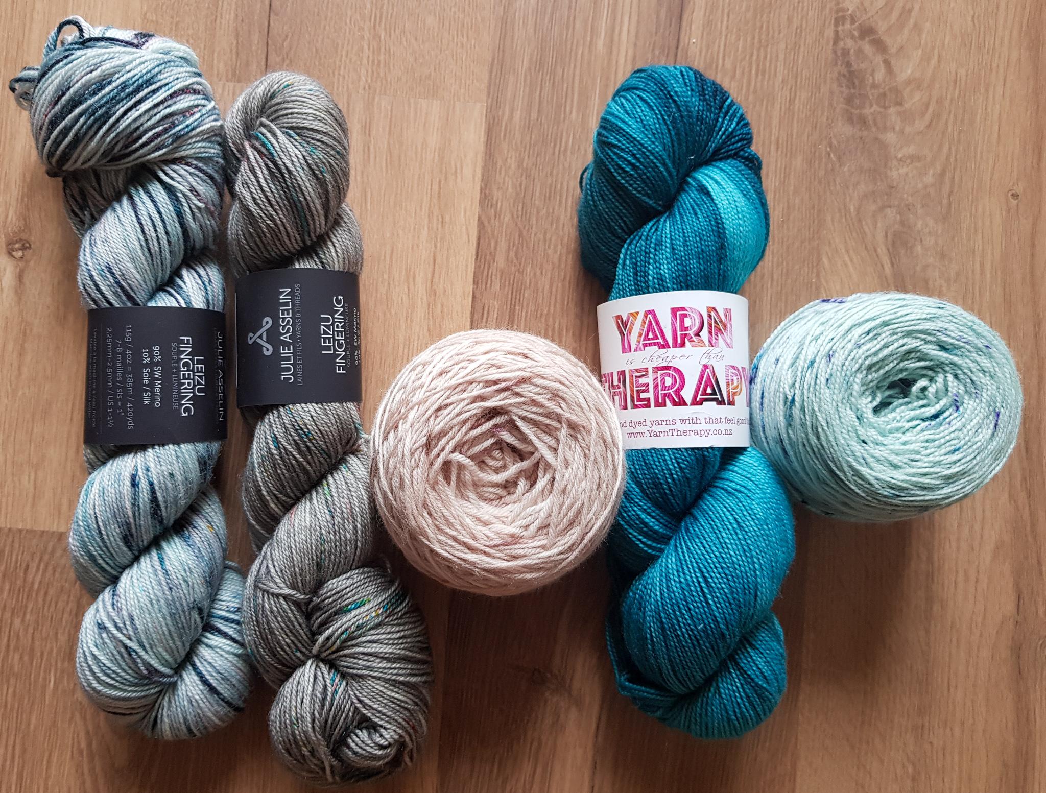 Woolly Crafty Prints Knitting Yarn 100/% Pure Wool 8 Ply 100g Hanks #62 PINK LIL